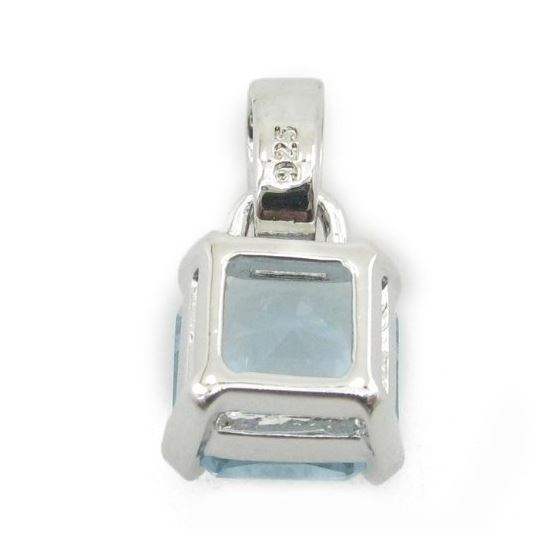 Ladies .925 Italian Sterling Silver tear drop pendant with blue stone Length - 20mm Width - 10mm 4